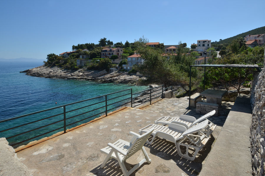 Korcula Prigradica apartments Bosnic beach terrace